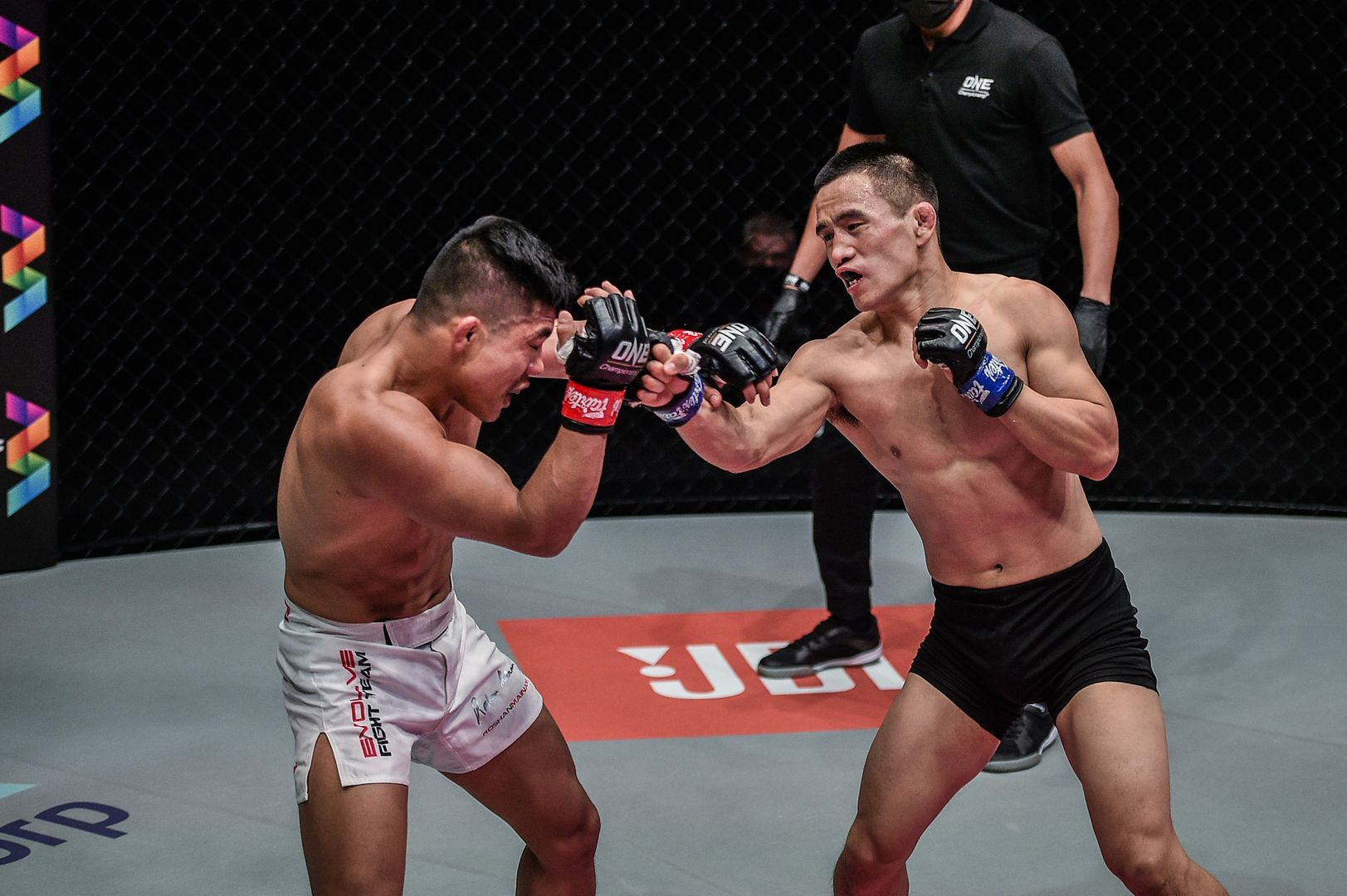 Live action shots of MMA fighters Roshan Mainam and Liu Peng Shuai from ONE: REIGN OF DYNASTIES on 9 October!