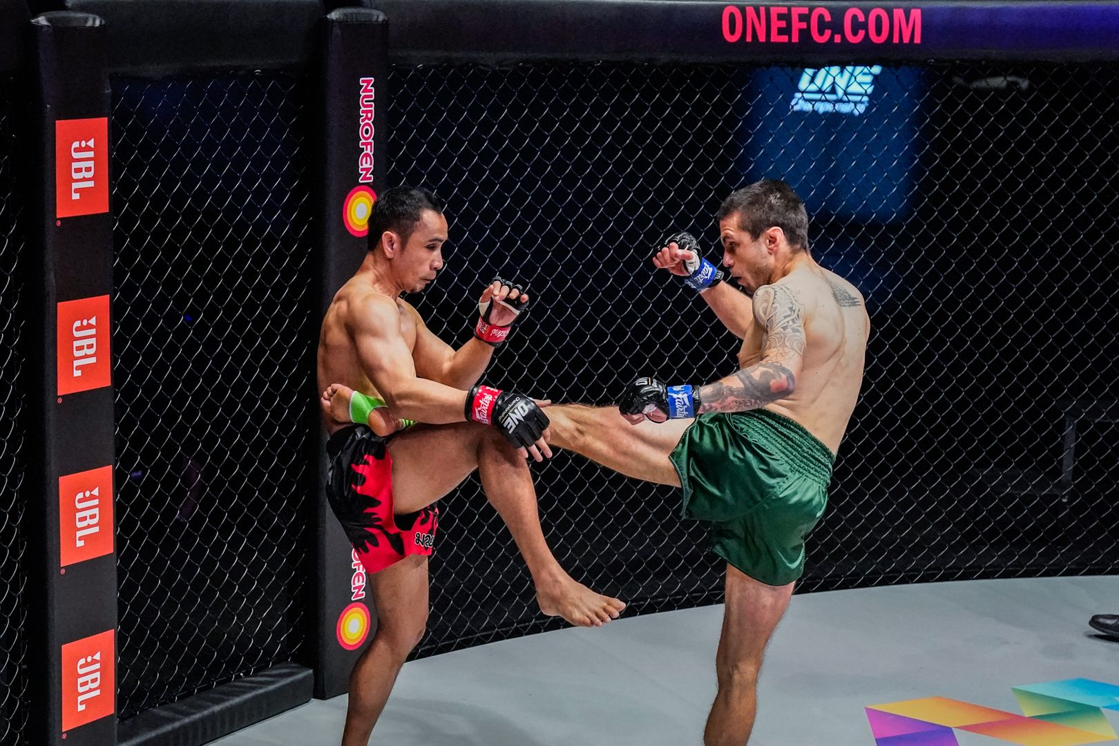 Live action shots of Muay Thai fighters Sam-A Gaiyanghadao and Josh Tonna from ONE: REIGN OF DYNASTIES on 9 October!