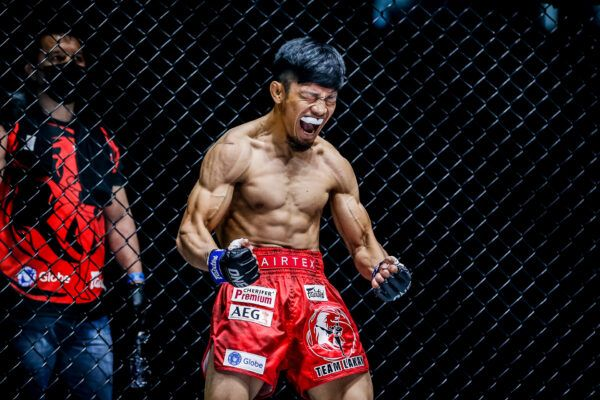 Filipino MMA fighter Lito Adiwang is feeling pumped!