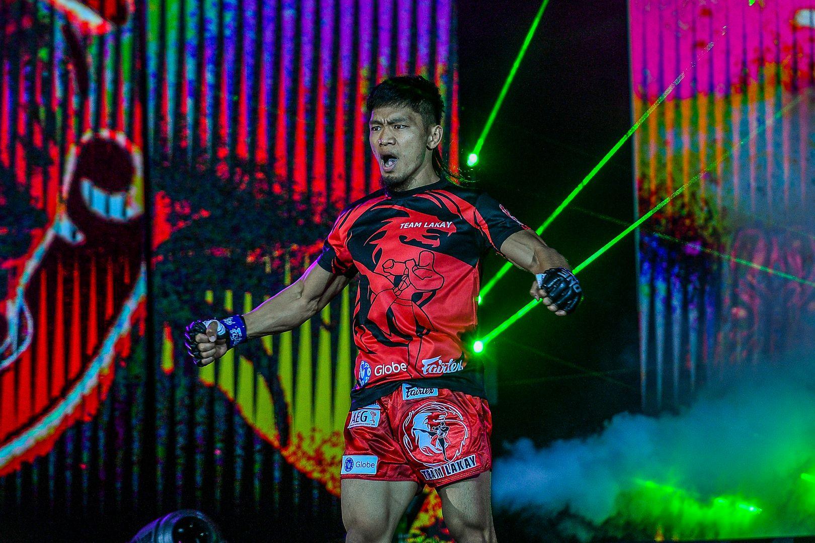 Filipino MMA star Lito Adiwang enters the Arena