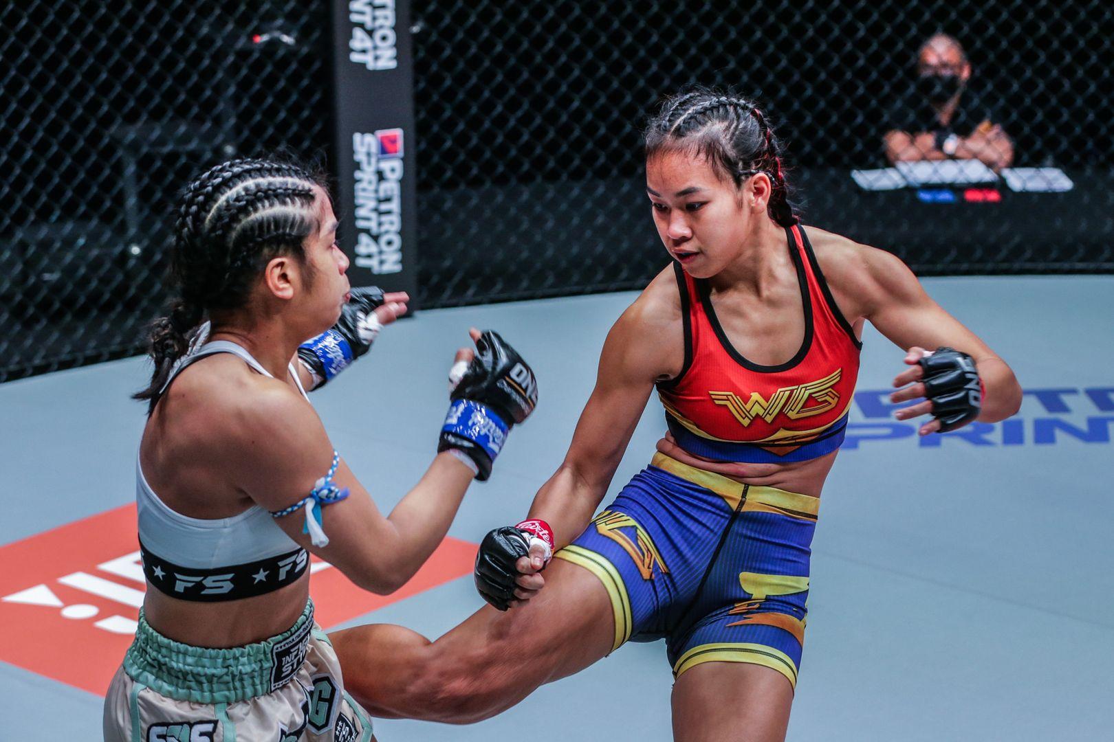 Muay Thai fighter Wondergirl Fairtex kicks Jackie Buntan