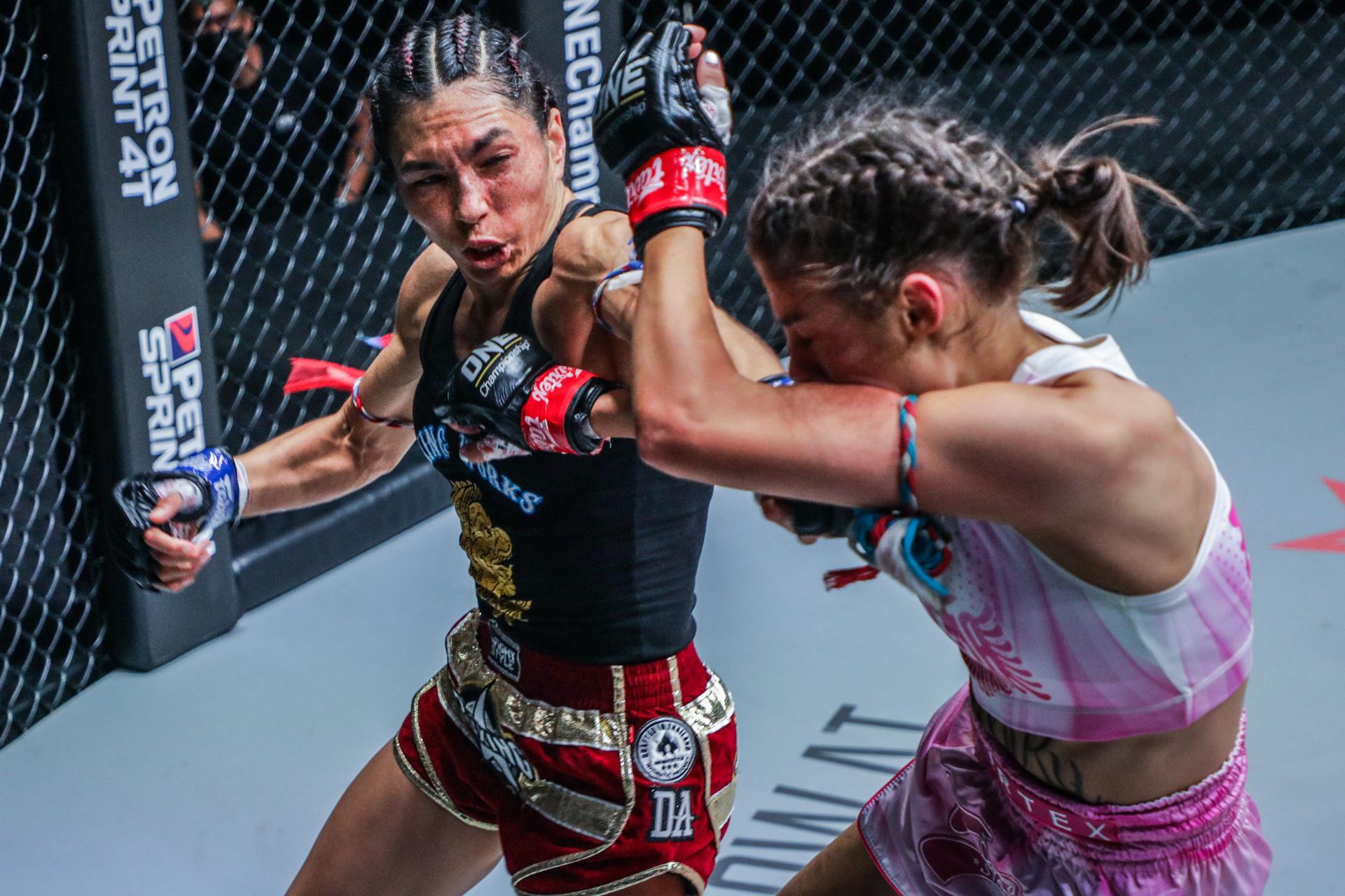 Janet Todd fights Alma Juniku at ONE: FISTS OF FURY III