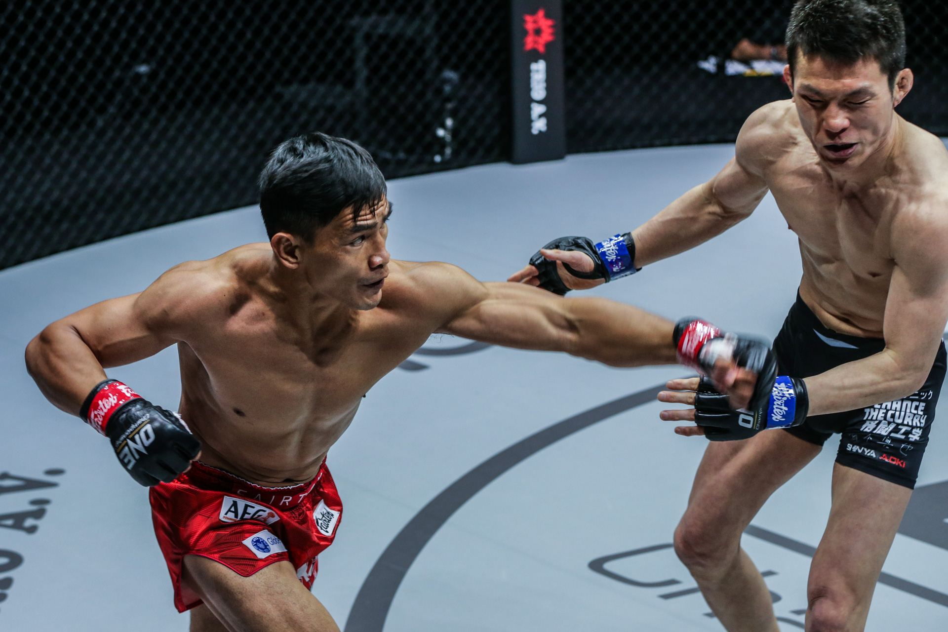 """Pictures from the fight between Eduard Folayang and Shinya Aoki from """"ONE on TNT IV"""""""