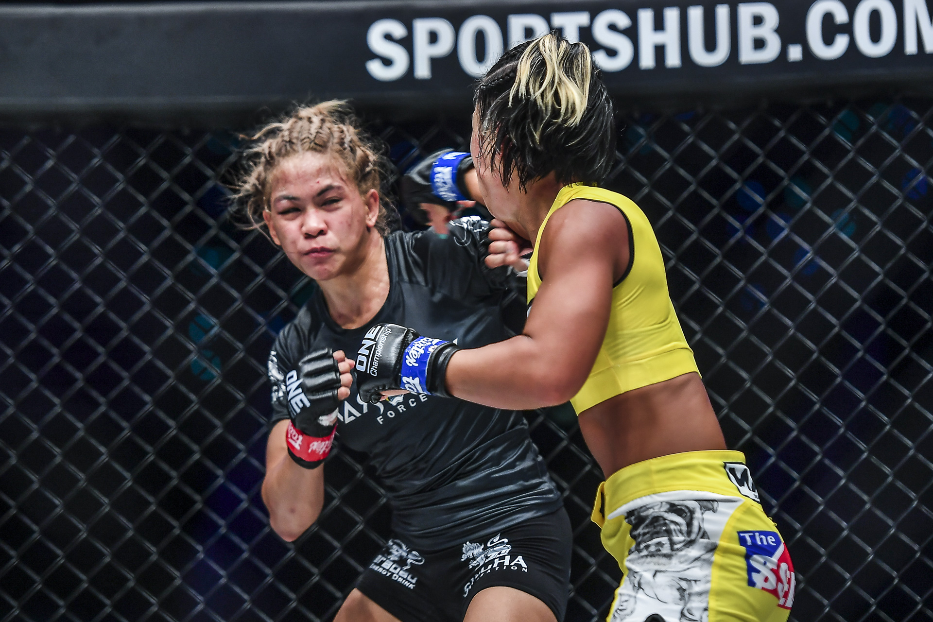 Pictures from the fight between Seo Hee Ham and Denice Zamboanga from ONE: EMPOWER