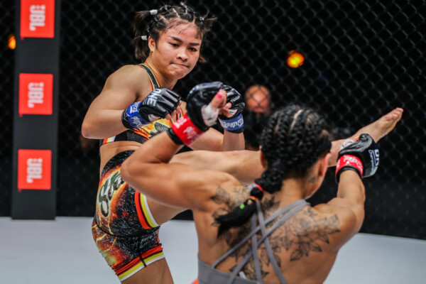 Pictures from the fight between Stamp Fairtex and Alyona Rassohyna from ONE: EMPOWER