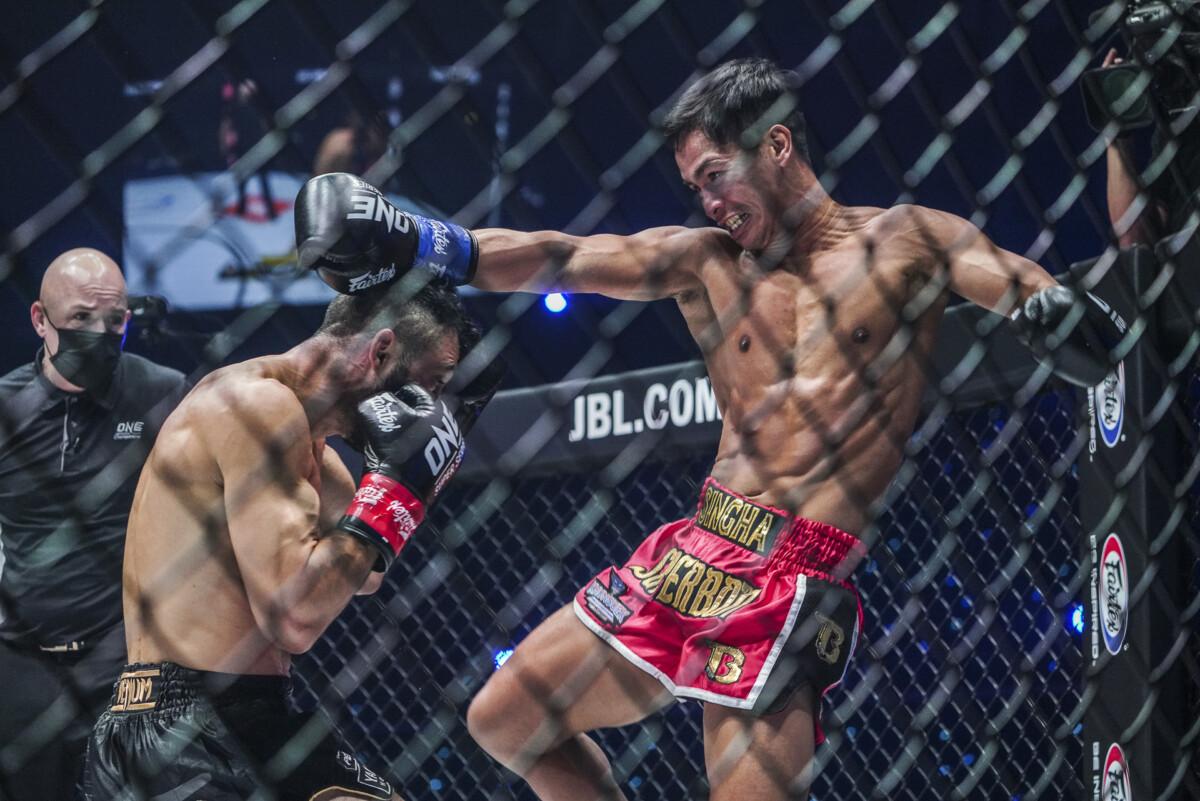 Superbon whips at kick at Giorgio Petrosyan