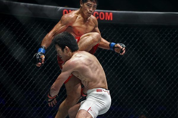 Eduard Folayang knocks out Shinya Aoki in SIngapore