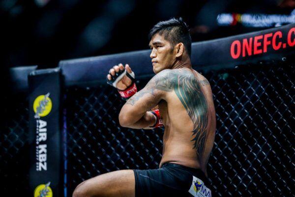 Reinier De Ridder fights Aung La N Sang at ONE: INSIDE THE MATRIX on Friday, 30 October
