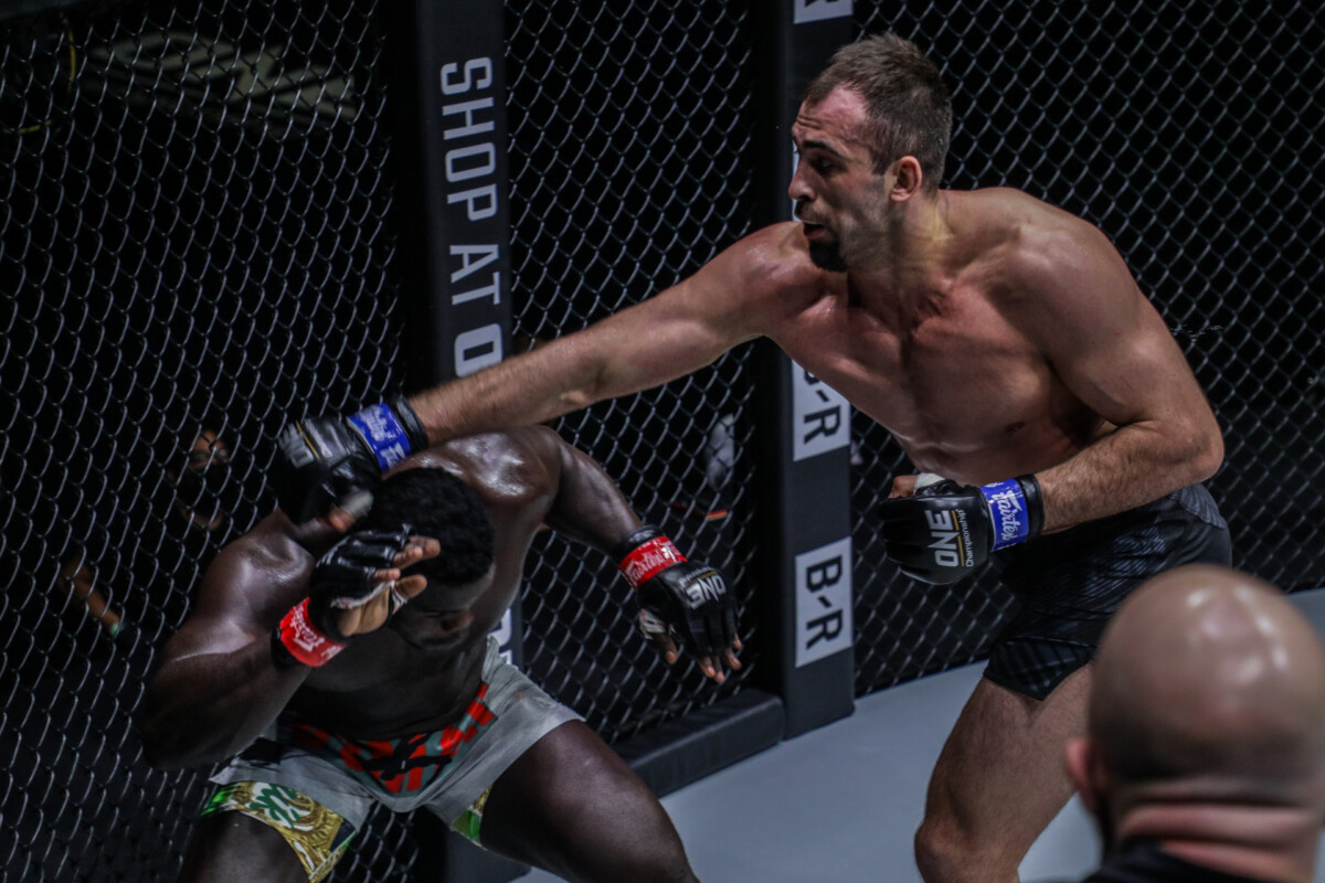 """Pictures from the heavyweight fight between Oumar Kane and Kirill Grishenko at """"ONE on TNT IV"""""""