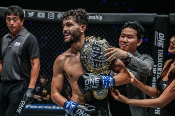 Ilias Ennahachi defeats Petchdam Petchyindee Academy via knockout at ONE: DREAMS OF GOLD