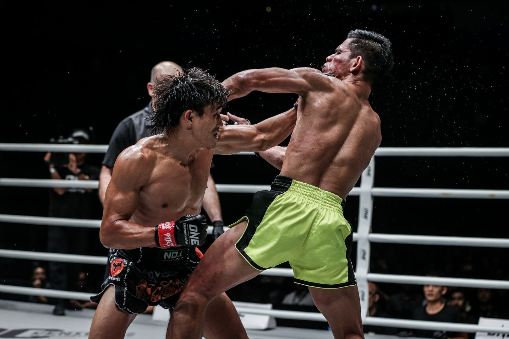 Nguyen Tran Duy Nhat defeats Azwan Che Wil at ONE IMMORTAL TRIUMPH