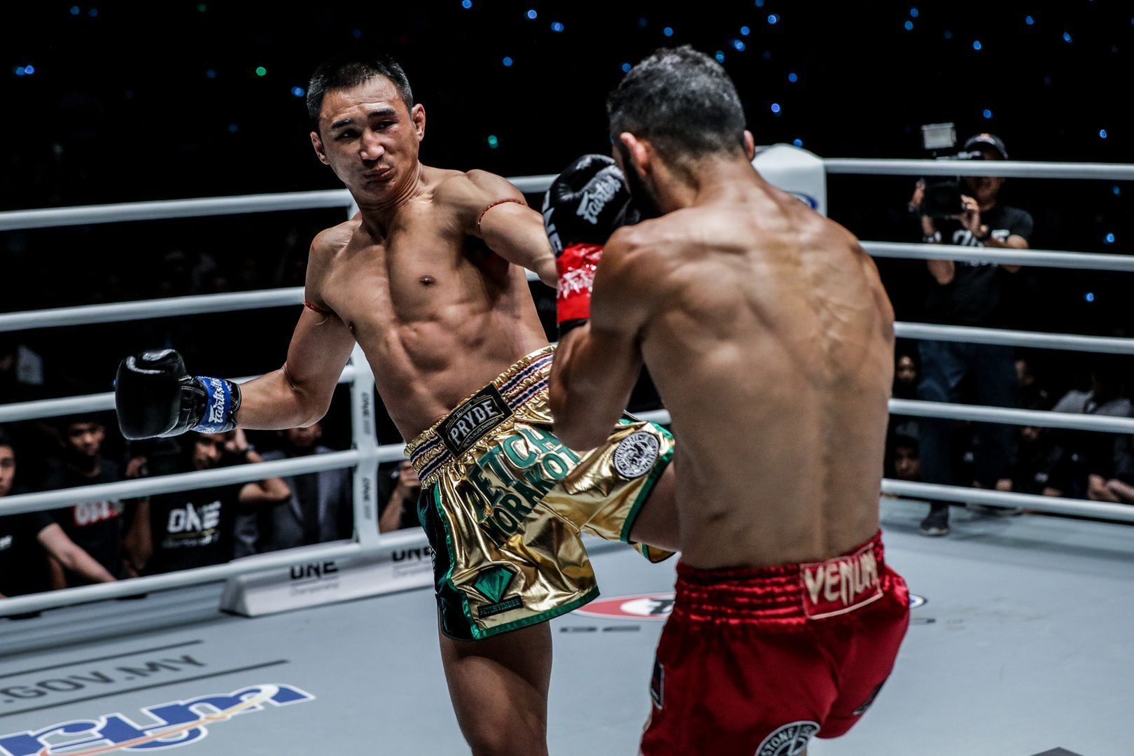 Petchmorakot Petchyindee Academy auctioned his shorts form this bout with Giorgio Petrosyan