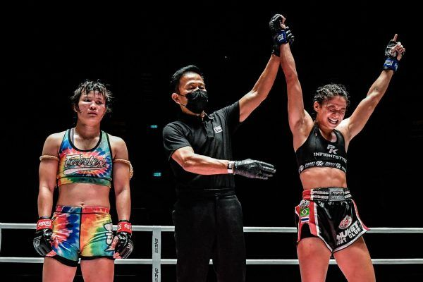 Brazilian Muay Thai fighter Allycia Hellen Rodrigues defeats Stamp Fairtex to win ONE World Title gold