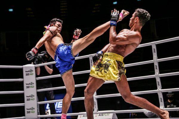 Felipe Lobo fights Yodpanomrung Jitmuangnon in Muay Thai action at ONE: A NEW BREED III