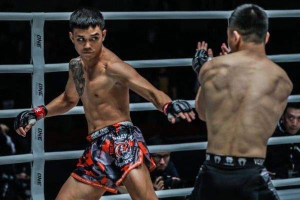 Thailand martial artist Pongsiri Mitsatit gets ready to kick