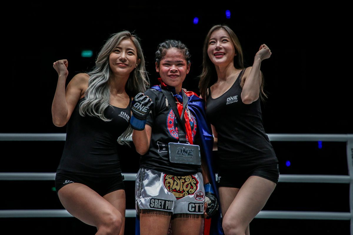 Cambodian star Nou Srey Pov with the winners medal